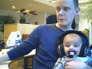 http://www.pererikstrandberg.se/blog/knut-headset.jpg