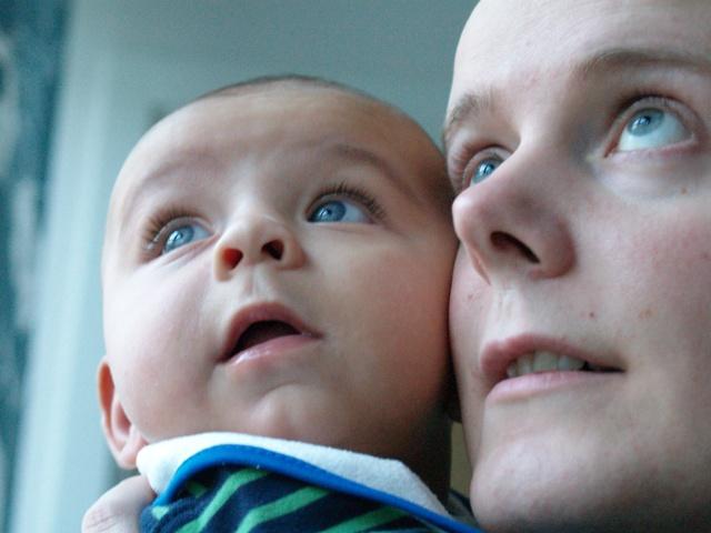 http://www.pererikstrandberg.se/blog/knut/knut-och-pappa.JPG