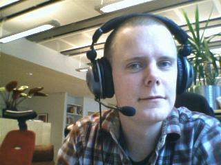 http://www.pererikstrandberg.se/blog/per-erik-strandberg-headset.jpg