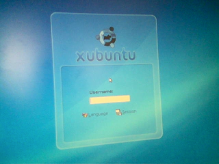 http://www.pererikstrandberg.se/blog/photo_xubuntu_log_in.png